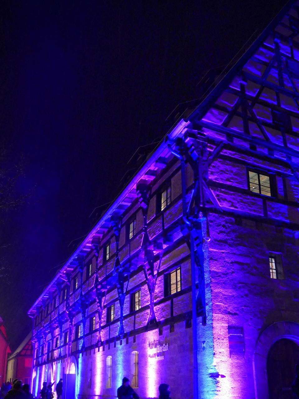 HopfenBierGut in weihnachtlicher Beleuchtung