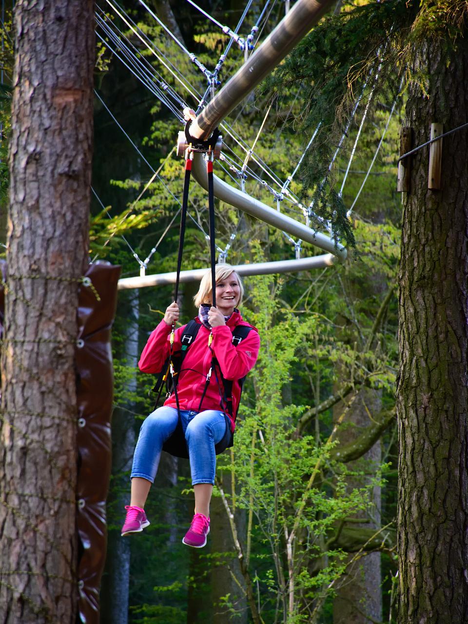 Unser Abenteuerwald bietet über 10 Stationen für jung und alt