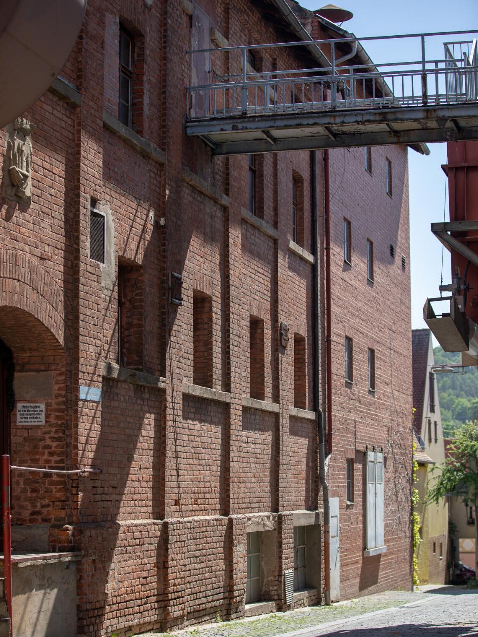 Die Gebäude der Brauerei fügen sich in das Stadtbild ein